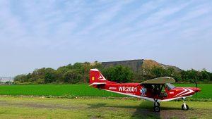 台中輕航機飛行可自駕體驗紅色飛機側面照片